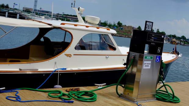 Hinckley Debuts Two New Models - Power & Motoryacht