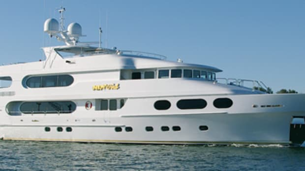 christensen-megayacht-party-girl-main.jpg promo image
