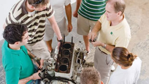 applied-engines-course-international-yacht-training-inset1.jpg promo image