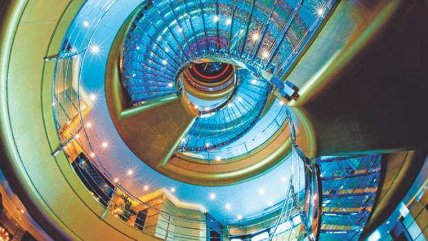 dubai_megayacht_staircase.jpg promo image