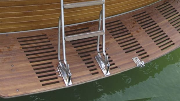 How to Upgrade Your Boat With a Hydraulic Swim Platform