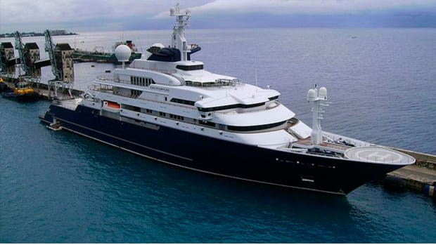 Megayacht Octopus - Photo by Getallinfo