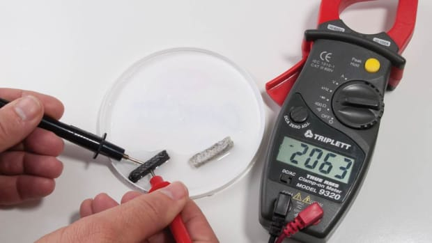 Measuring wet packing with a multimeter