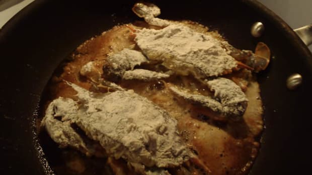 Frying soft-shell crab