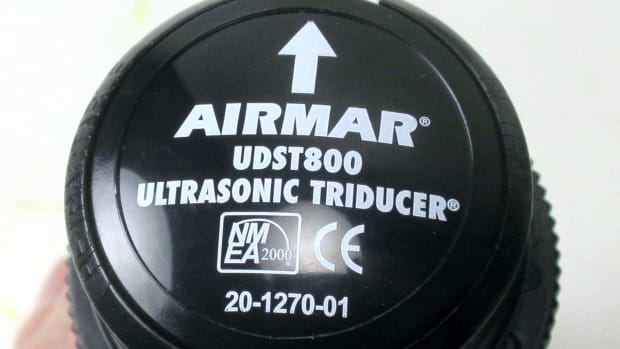 00-prm-Airmar_UDST800_ultrasonic_triducer_for_real_2-2018_cPanbo