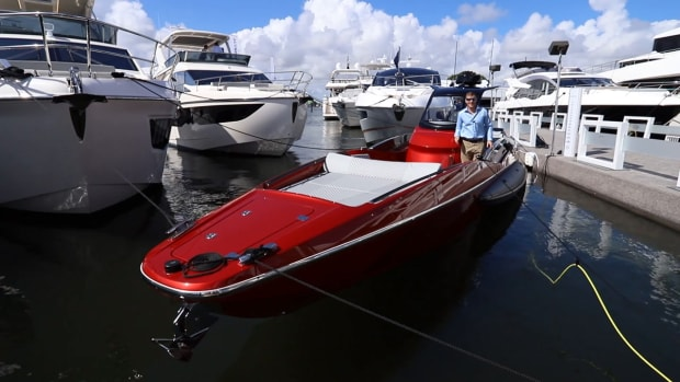 Sunseeker Hawk 38 at FLIBS2019