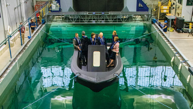 prm1-worlds-largest-3d-printed-boat