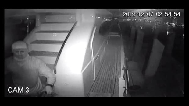 prm-Boat-Burglar