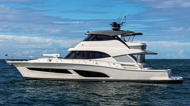 prm_Riviera 64 Sports Motor Yacht