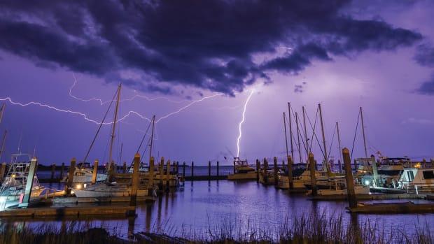 prm_boat-struck-by-lightning