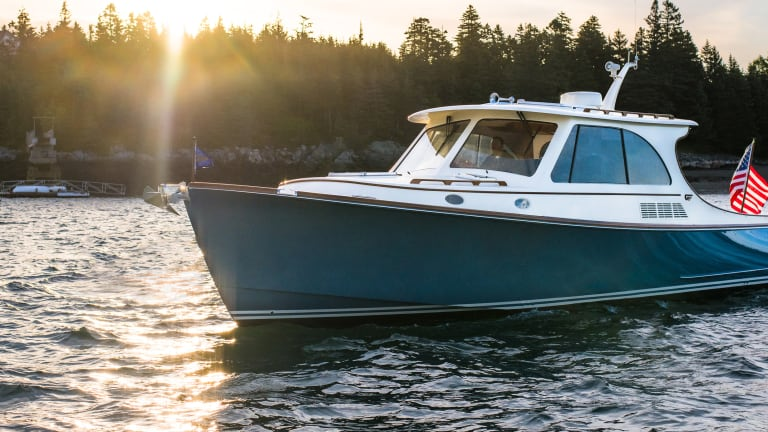 Tested: Hinckley Picnic Boat 40 - Power & Motoryacht on