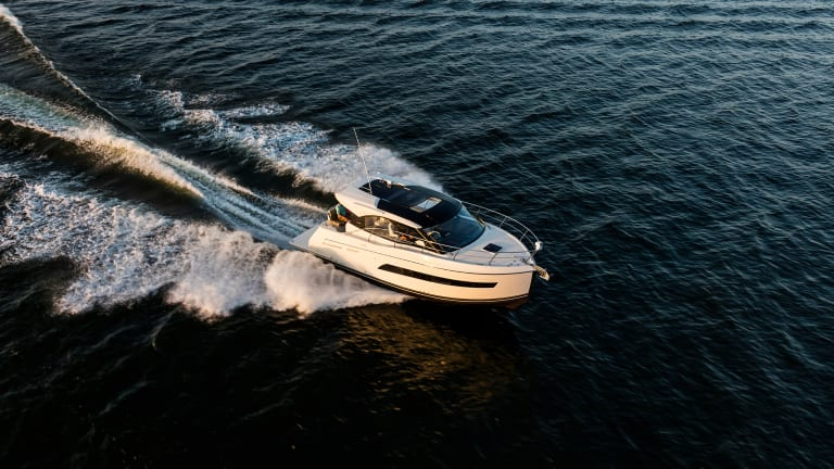 First Look: Carver C34 Coupe