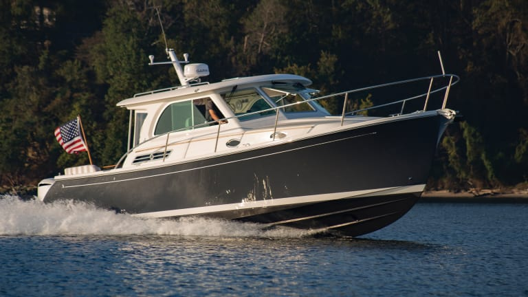 Meet the 37-knot Back Cove 34O