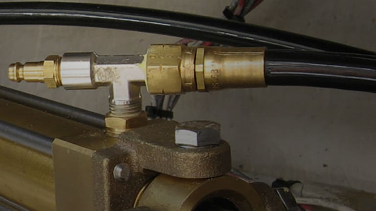 How to Maintain the Hydraulic Systems on Your Boat