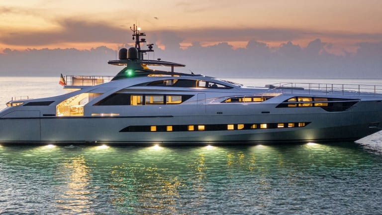 New Boat: Pershing 140