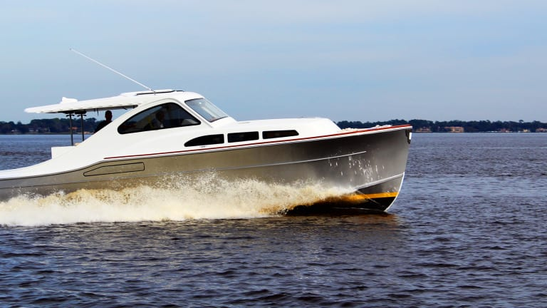 Meet the Huckins Hybrid-Electric 38 Sportsman