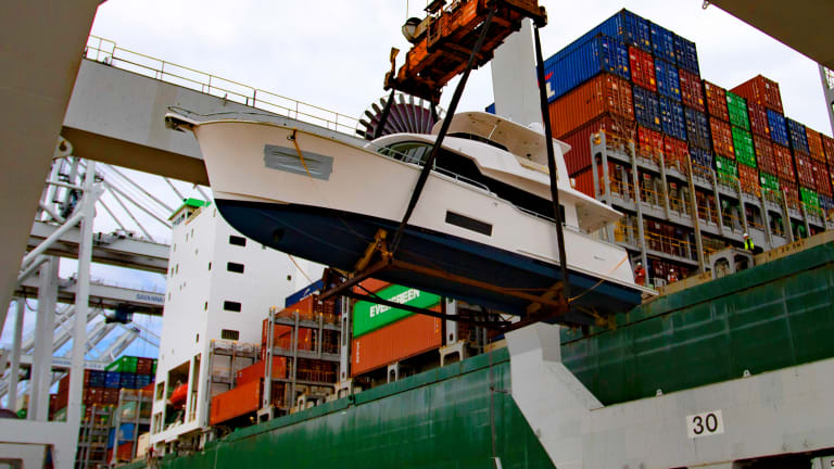 Freeing the Summit 54 from a Container Ship
