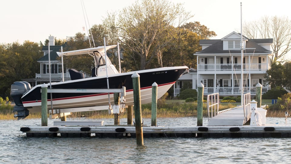 How to Install a Boat Lift
