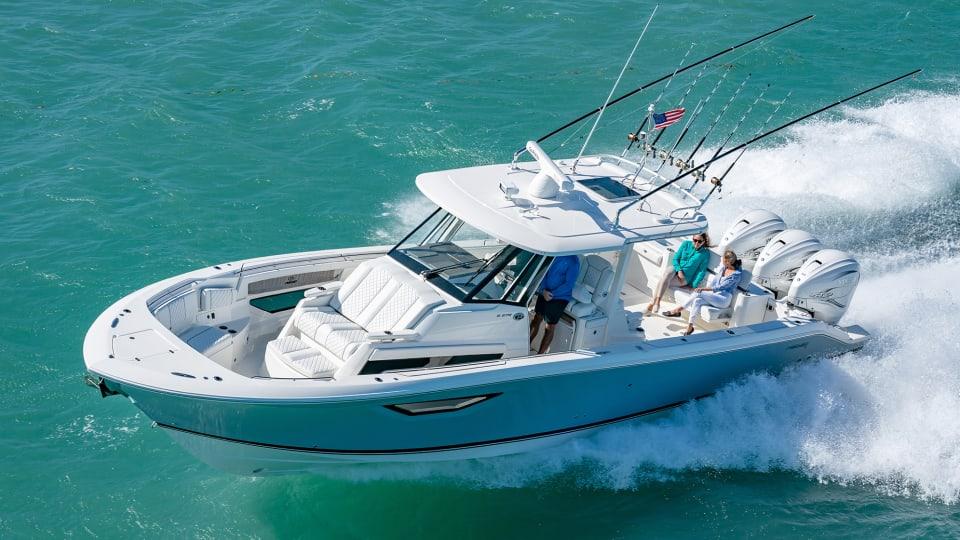 New Boat: Pursuit Sport 378