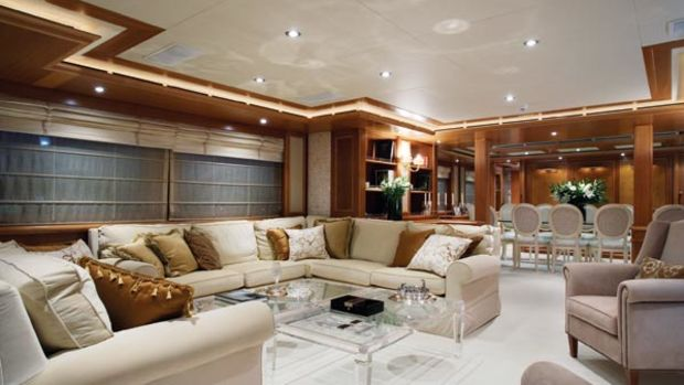 Nearly 200 square feet of space is devoted to the saloon and the 12-seat dining area, making for quite a comfortable feel when entertaining groups.