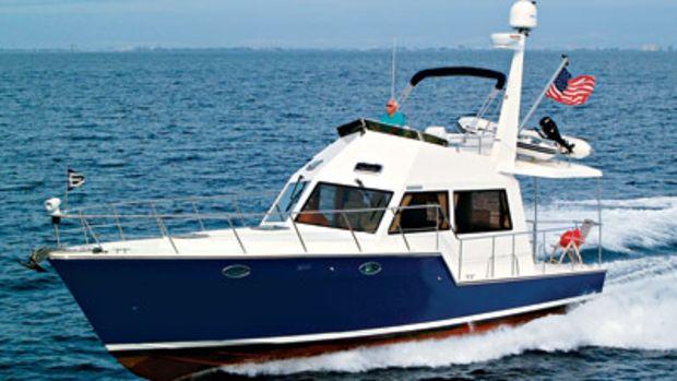 island-pilot-435-fast-trawler-main.jpg promo image