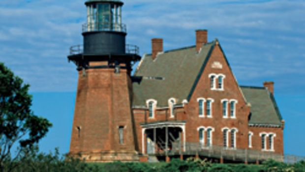 destinations-to-die-for-block-island-rhode-island-main.jpg promo image