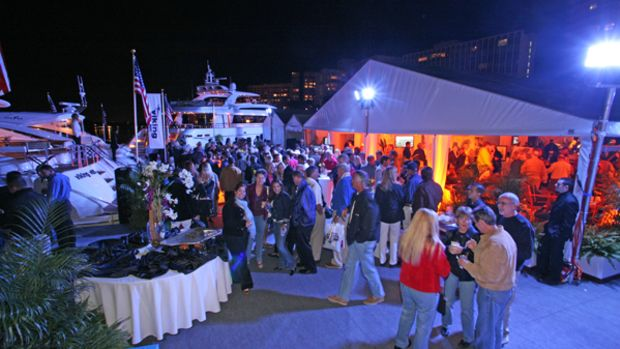 Readers mingle at a Power & Motoryacht-sponsored event at the Miami International Boat Show.
