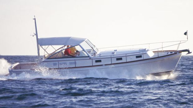 Grand Banks Eastbay 38 EX
