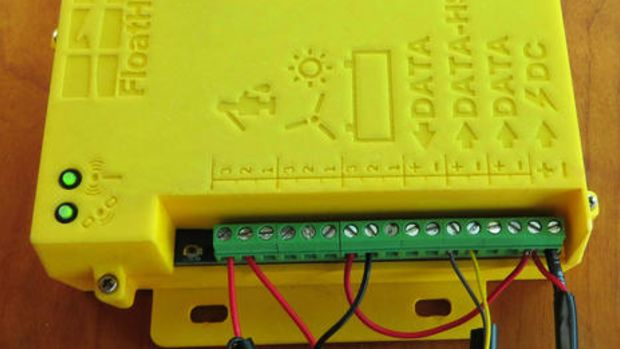FloatHub_yellow_box_beta_testing_on_Gizmo_cPanbo.jpg