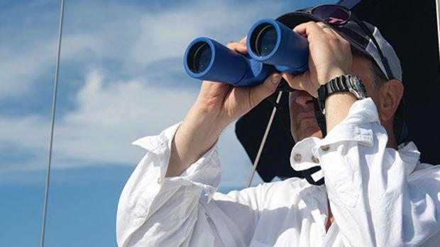 binoculars_jw_prm650.jpg promo image
