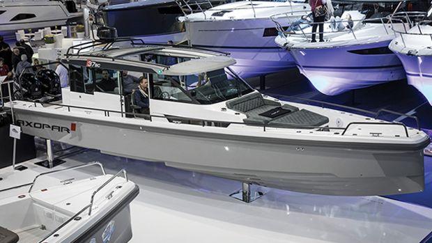 axopar-37-sport-cabin-prm650.jpg promo image