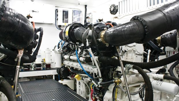 Viking 74 Motoryacht Engine Room