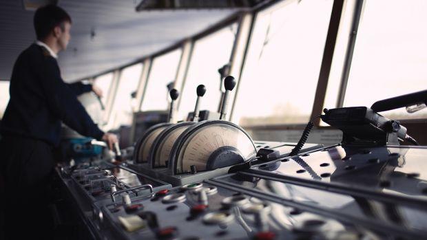 Piloting a container ship