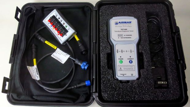 02-Airmar_TDT1000_transducer_diagnostic_tester_kit_open_case_cPanbo