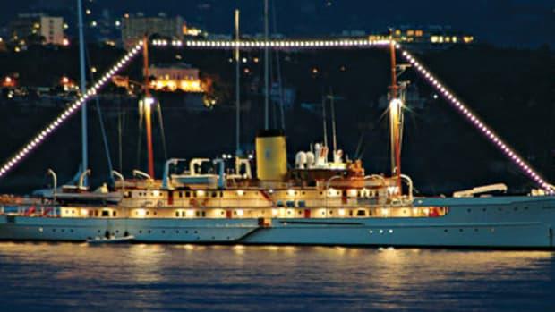 worlds-largest-delphine-main.jpg promo image