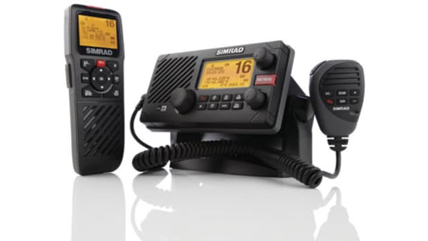 Simrad-RS35-VHF-575x305.jpg promo image
