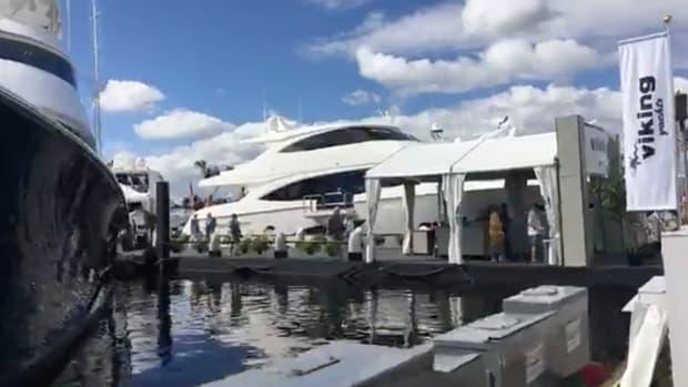 Viking 93 Motoryacht