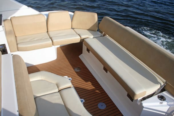 boatbuilder-regal-44-sports-coupe-g1.jpg promo image
