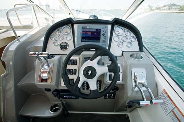 cruisers-330-express-g8.jpg promo image
