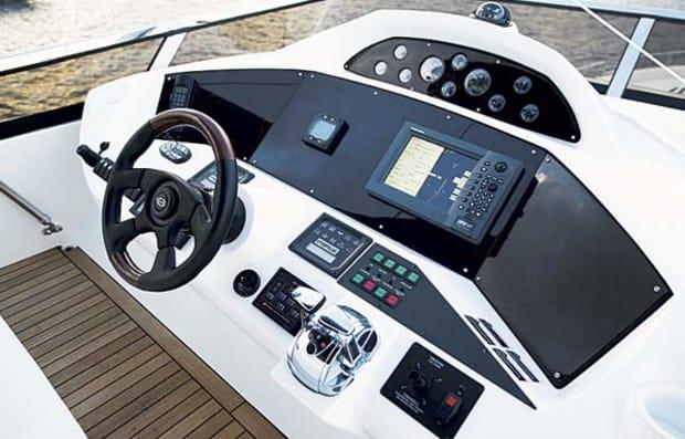 sunseeker82-yacht-g1.jpg promo image