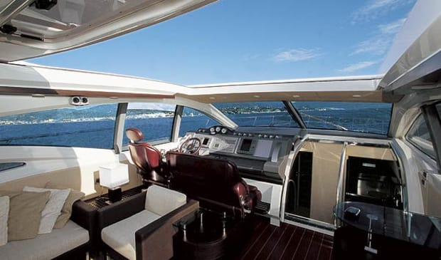 azimut68s-yacht-g1.jpg promo image