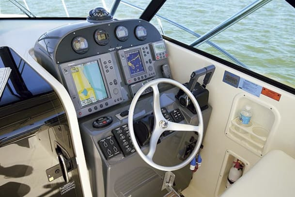 pursuit3370-yacht-g1.jpg promo image
