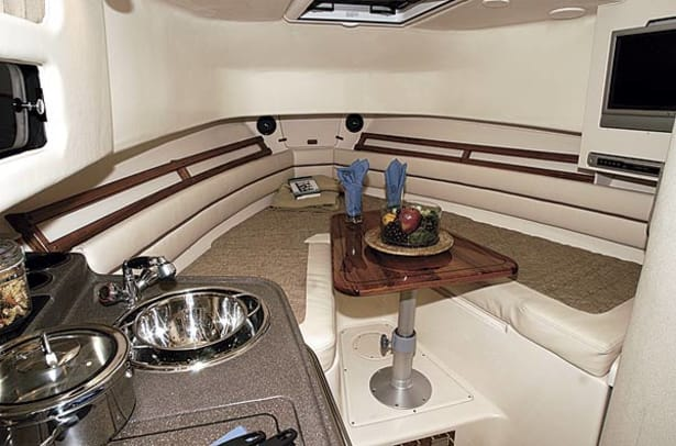 gradywhite300-yacht-g1.jpg promo image