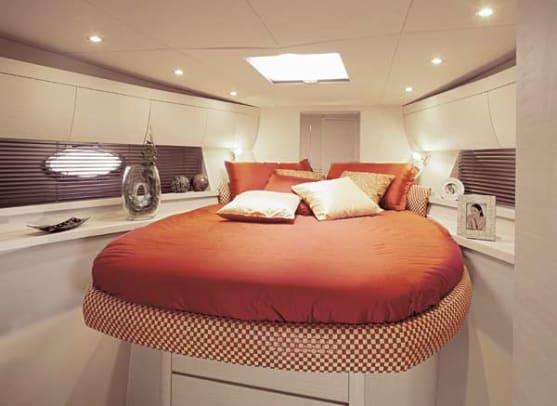 atlantis39-yacht-g7.jpg promo image