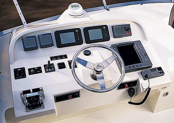 hampton680-yacht-g1.jpg promo image