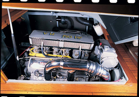 maycraft42-cruiser-yacht-g6.jpg promo image
