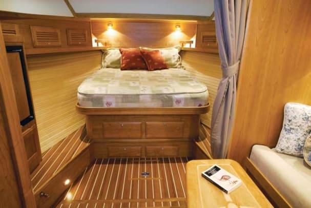 sabre34-yacht-g6.jpg promo image