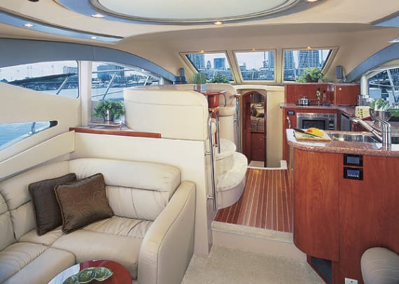 cruisers477-yacht-g1.jpg promo image