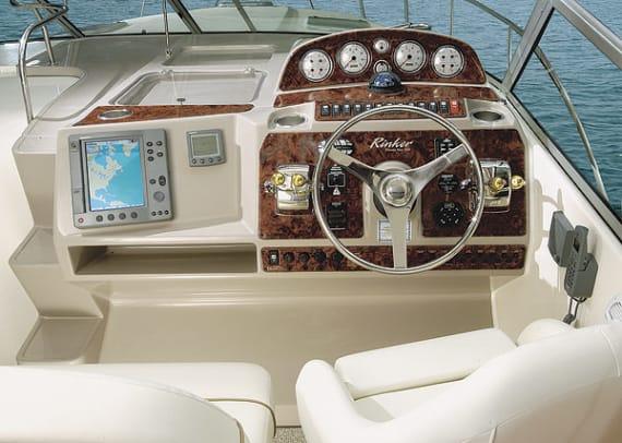 rinker390-yacht-g1.jpg promo image