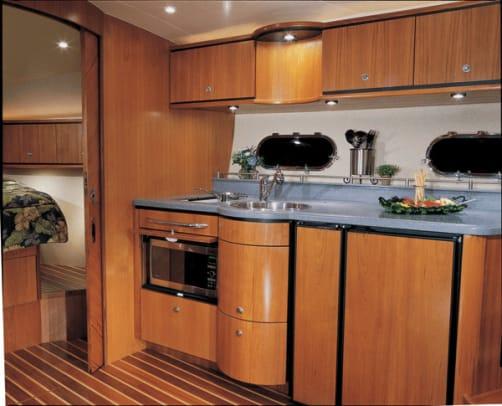 tiara3900-yacht-11.jpg promo image